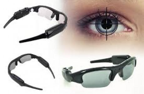 משקפי מעקב וריגול משולבים מצלמת וידאו, מצלמת סטילס ומיקרופון.